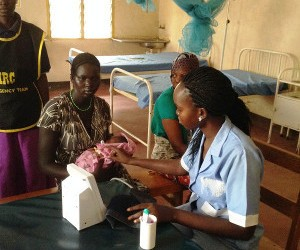 Photo of Elizabeth Nyadiet Kel on practical assignment in Kakuma IRC hospital